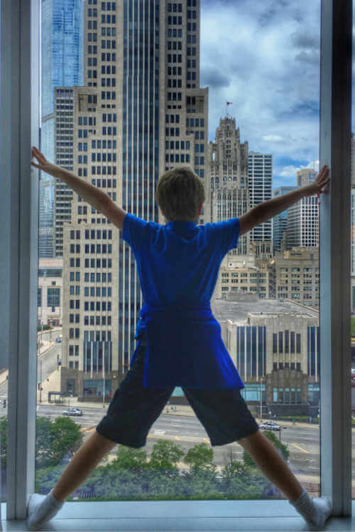 Loews Chicago Floor Ceiling Window Kid-Kids Are A Trip