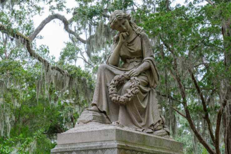 Savannah ghost tour Bonaventure Cemetery-Kids Are A Trip