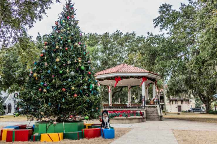 St-Augustine-Christmas-Kids-Are-A-Trip