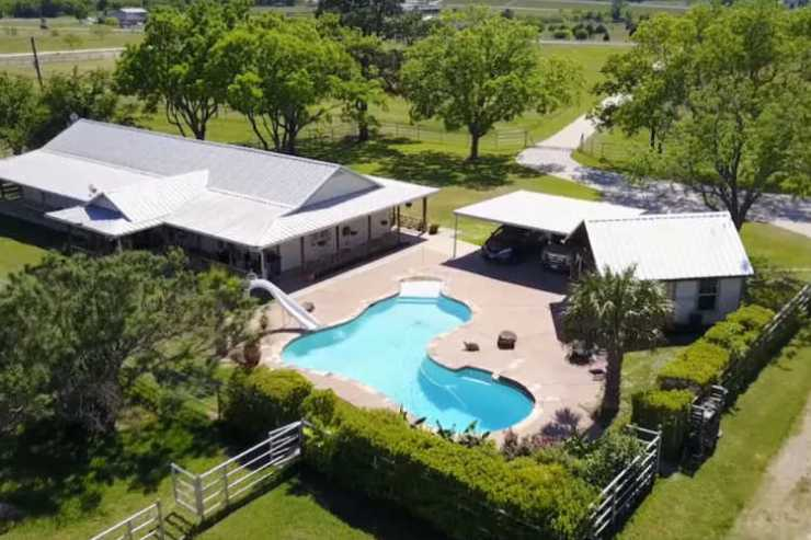 vacation rental Fort Worth with pool
