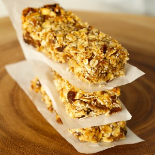 Apple + Sultana Muesli Bars