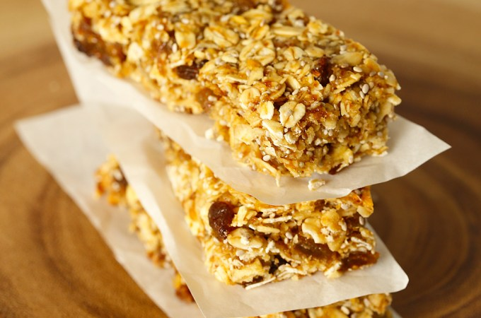 Apple Sultana Muesli Bars by Kids Eat by Shanai perfect for their school lunchbox
