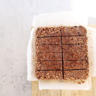 Healthy Chocolate Rice Krispie Bars | Kids Eat by Shanai