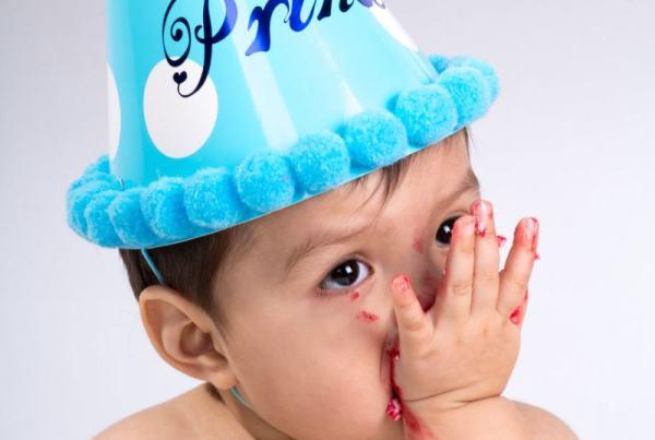 Sesión fotográfica bebé Smash Cake en Zaragoza, reportaje infantil