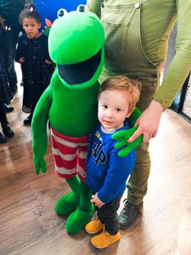 Kikker en de Vallende Ster na de show | Babies Kitchen