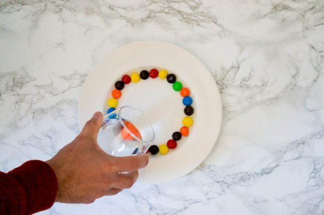 Stap 1: Regenboog Snoep Water | Babies Kitchen