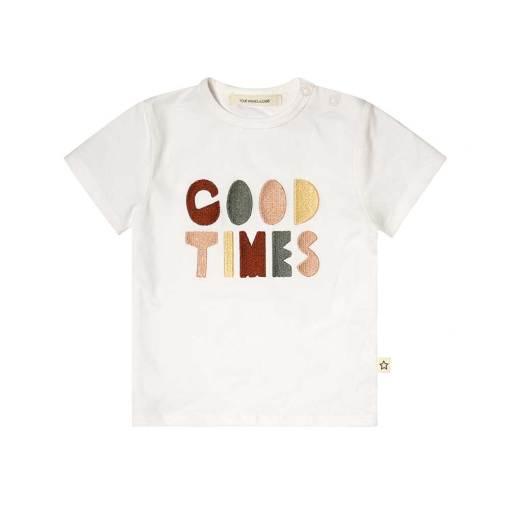 wit t-shirt gekleurde letters