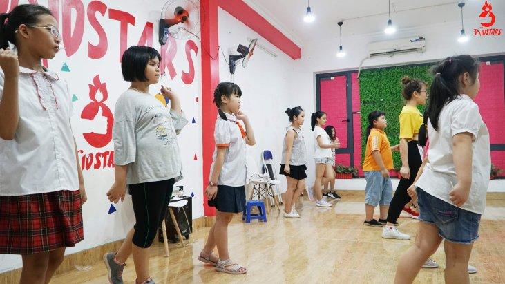 Dạy nhảy hiện đại cho trẻ em
