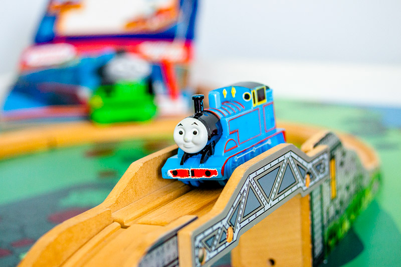 thomas the train table and chairs royal blue chair covers for rent track set reviews top 5 picks