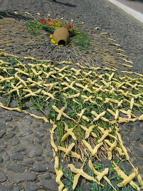 Street Alfombras in Guatemala- Kid World Citizen