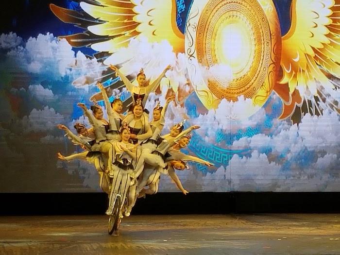 Acrobat Show Beijing with Kids- Kid World Citizen