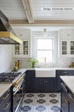 16 How To Decorate With Stylish Black Kitchen Cabinets 01