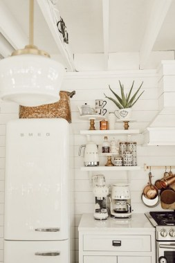 17 Chic Kitchens With Open Shelving 04