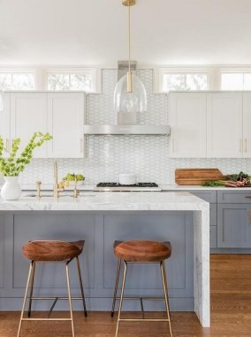 17 Stylish Eat In Kitchens That Are All The Rage Right Now 10