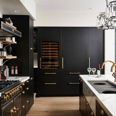 18 Black Kitchen Cabinet Ideas For The Chic Cook 11