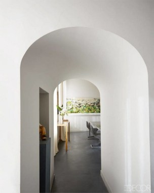16 All White Ethereal House Is A Space Efficient Apartment In Rome 13