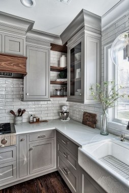 16 Romantic And Welcoming Grey Kitchens For Your Home 02