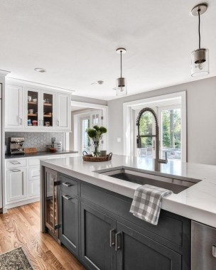 16 Romantic And Welcoming Grey Kitchens For Your Home 06