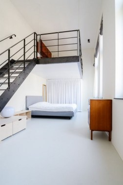 18 Old Schoolhouse Converted Into Loft Apartments 06