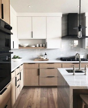 18 Two Tone Kitchen Cabinets To Reinspire Your Favorite Spot In The House 07