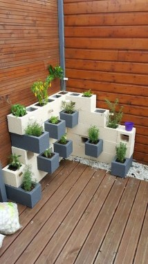 19 Adorable DIY Outdoor Planter Ideas 09