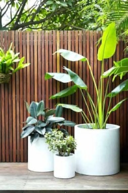 19 Adorable DIY Outdoor Planter Ideas 11