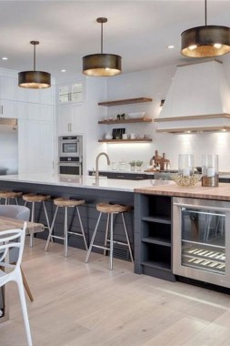 19 Modern Farmhouse Kitchens That Fuse Two Styles Perfectly 08