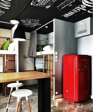 20 Boldly Colored And Seriously Fun Living Quarters For Students 05