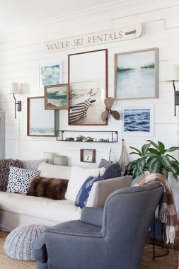 20 Farmhouse Living Rooms That Will Take Your Breath Away 31