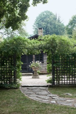 17 Smart And Stylish Garden Screening Ideas To Add A Little Privacy 07