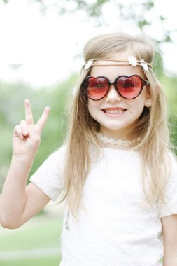18 Cool DIY Hippie Costume For Your Kids To Look Unique And Fabulous 17