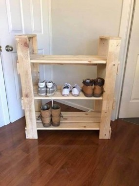 18 Functional DIY Pallet Wood Project Ideas 17