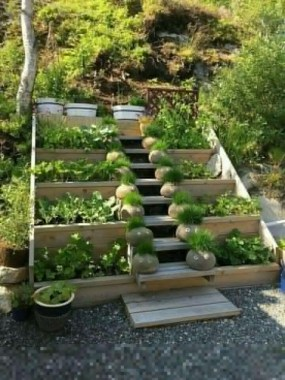 19 Best DIY Vegetable Garden Ideas 04