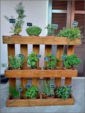 19 Best DIY Vegetable Garden Ideas 14