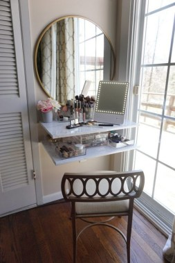 19 DIY Vanity Mirror Ideas To Beautify Your Makeup Space 06