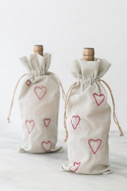 19 Good Looking DIY Laundry Bag Ideas For The Organized One 15