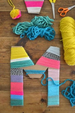 20 Creative DIY Yarn Crafts For Your Home Decoration And Other Purposes 29