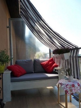 20 DIY Outdoor Sun Shades That Add Color To Your Outdoor Decor 09