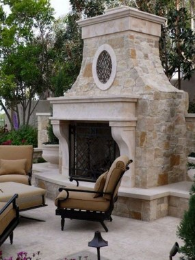 21 Beautiful Outdoor Fireplace Design Ideas 34