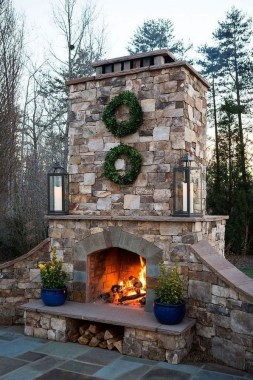 21 Beautiful Outdoor Fireplace Design Ideas 36