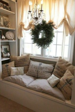 23 Most Sophisticated Ideas To Decorate Bay Window Space 33