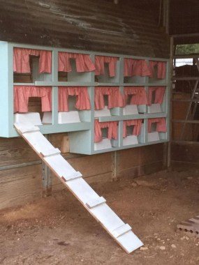 20 Creative DIY Ideas To Use Chicken Nesting Boxes 23