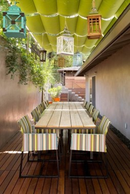 21 Beautiful Outdoor Space With Canopy Designs 17