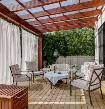 21 Beautiful Outdoor Space With Canopy Designs 18