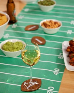 21 DIY Super Bowl Celebration Decoration Craft Ideas 22