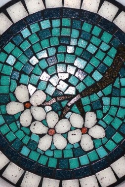 22 Easy DIY Mosaic Craft Projects For Your Home Decor 16