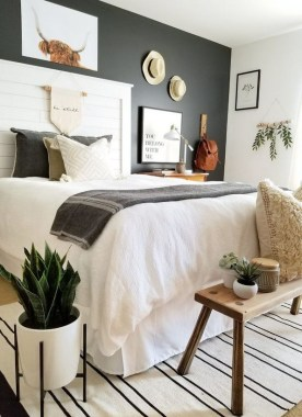 23 Best Modern Farmhouse Bedroom Decor Ideas 16