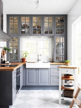 24 Genius Small Kitchen Ideas With Sky High Cabinets 22