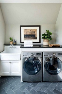 26 Beautiful And Functional Small Laundry Room Design Ideas 19