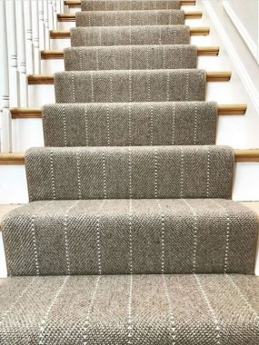 27 Carpeted Staircase Ideas That Will Add Texture And Warmth To Your Home 27